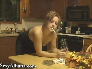 Kitchen Table Fucking - SMOKING ALHANA..