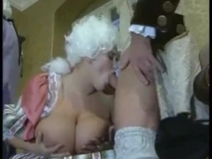 Vintage Retro HUGE BOOBS Gangbang Orgy