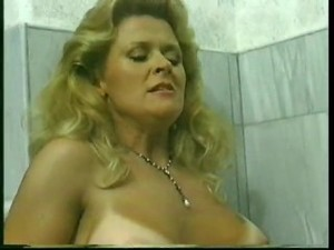 Busty Milf Gets Fucked In Vintage..